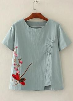 Linen Blouse, Blouse Dress, Kurta Designs, Blouse Designs, Mode Outfits, Fashion Outfits, Womens Fashion, Boat Shirts, Embroidered Clothes
