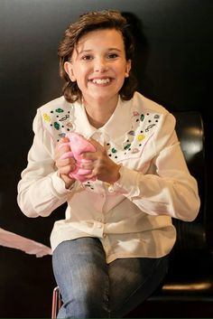 Millie Bobby Brown at the Chcago Comic Con Bobby Brown Stranger Things, Eleven Stranger Things, Post Malone, Long Island, Millie Bobby Brown, Brown Fashion, Celebs, Celebrities, Celebrity Pictures