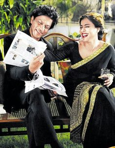 """Shah Rukh Khan and Kajol during the promotion of the film """"Dilwale"""" / Calcutta city 12/24/15"""