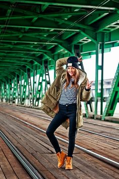 Boots Timberland Outfit Casual Street Styles 22 Trendy Ideas Source by outfits Mode Timberland, Timberland Boots Outfit, Timberland Outfits Women, Timberland Heels, Timberland Fashion, Look Fashion, Girl Fashion, Fashion Outfits, Fashion Pants