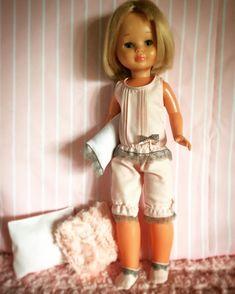 Vestidos y zapatos para Nancy