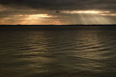 Sky And Oean With Sun Rays – Stock Image
