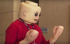 CreepyFig est un cosplay LEGO dérangeant et beaucoup trop réaliste imaginé parFrank Ippolito, grand spécialiste des effets spéciaux et du maquillage, en