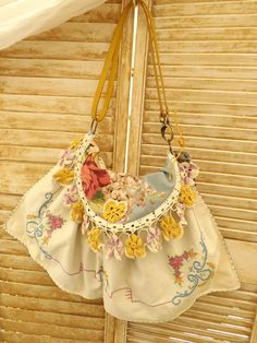 this bag was designed around a Pansy doillie