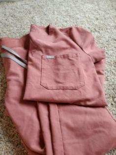 Figs mauve set jogger catarina on Mercari Nursing Scrubs, Scrubs Outfit, Scrub Pants, Nurse Life, Scrub Tops, Figs, Mauve, Joggers, Career
