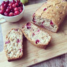 Клюквенный хлеб на яблочном пюре (веганский)