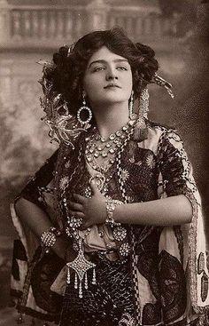 Jede Frau braucht ein bisschen Zigeuner in ihrer Seele ..