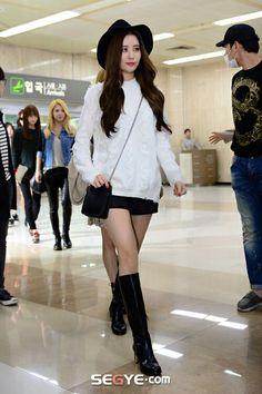 일반) 서현(4)16913,25) 1) (16913,14-16,25 •seohyun-incheo-airport 인천공항 소시 소녀시대 서현 서주현 살구색 살색 비취는 스타킹 다리 허벅지 각선미  --------------  # the kpop snsd seo-hyun thigh # 141026 서현 허벅지 # snsd seohyun leg thigh #서주현 #서현 다리 허벅지 #서주현 허벅지 #서현 다리 #se-hyun leg thigh snsd kpop  ------  the kpop snsd seo-hyun thigh,141026 서현 허벅지,snsd seohyun leg thigh,서주현,서현 다리 허벅지,서주현 허벅지,서현 다리,se-hyun leg thigh snsd kpop,