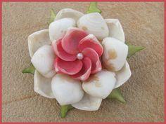 50's Flower Shell Pin