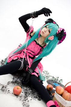 Miku Hatsune cosplay, wow this is such a good everything!   The cosplay it's self, as well as the photo!