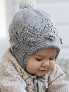 New Baby Knitting Patterns Free for To make things easy we have compiled all the latest free knitting patterns for babies and toddlers in the one post, find everything you need easily! Baby Knitting Free, Baby Sweater Knitting Pattern, Knitting For Kids, Baby Knitting Patterns, Baby Patterns, Sweater Patterns, Finger Knitting, Knitting Tutorials, Baby Sweaters