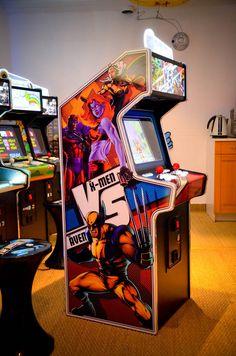 Mini arcade Starfighter. Superheroes artwork prototype. www.the-arcade-company.com