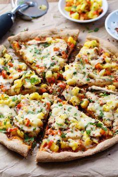 Sweet Chili Garlic Chicken Pizza | pinchofyum.com #spicy