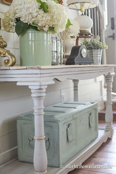 Did you know milk paint can be paint straight on old metal to create a beautiful…