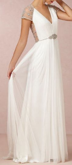 gorgeous silk gown  http://rstyle.me/n/edsdipdpe