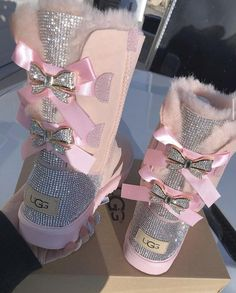 Dr Shoes, Hype Shoes, Me Too Shoes, Cute Uggs, Trajes Kylie Jenner, Pink Uggs, Black Rhinestone, Rhinestone Shoes, Shoe Closet