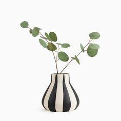 Black and White Thick Stripe Vase – Poketo