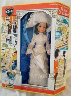 Vintage Barbie, Vintage Dolls, Night Outfits, Cool Outfits, Vintage Love, Vintage Vibes, Sindy Doll, Vinyl Dolls, Dolls For Sale