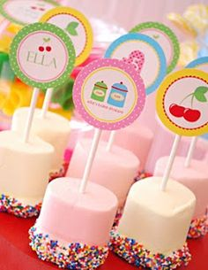 Candy Buffet Ideas: Lollipops and Marshmallows