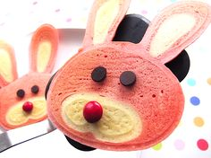 Easter bunny pancakes....I haven't seen a breakfast this cute…well, ever! Pink bunny pancakes with chocolate eye balls and a red M nose = the perfect Easter morning breakfast.