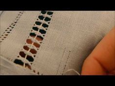 Ponto 1° - aula 1 Desfiando - YouTube Embroidery Needles, Hand Embroidery, Sewing Lace, Drawn Thread, Fabric Art, Ravelry, Cross Stitch, Make It Yourself, Blog