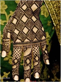 Best Black Mehndi Designs  for hands