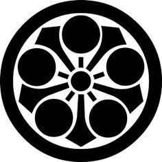 丸に剣梅鉢(まるにけんうめばち)