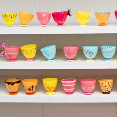 22 uses for plastic eggs. Plastic Easter Egg Tea Cups ~ Here's another gem by Creativity in Progress. Aren't these plastic easter egg tea cups adorable? Plastic Easter Eggs, Easter Egg Crafts, Crafts For Kids, Diy Crafts, Family Crafts, Recycling, Idee Diy, Thinking Day, Egg Cups