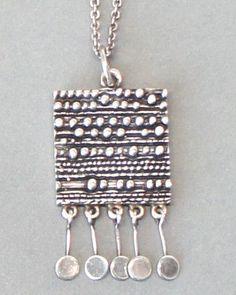 Jorma Laine Kinetic Silver Necklace Plus Metal Clay Jewelry, Metal Necklaces, Jewelry Necklaces, Headpiece Jewelry, Black Gold Jewelry, Precious Metal Clay, Schmuck Design, Stamped Jewelry, Artisan Jewelry
