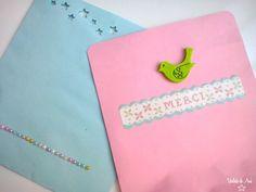 Azul con estrellas troqueladas y rosa con pajarito