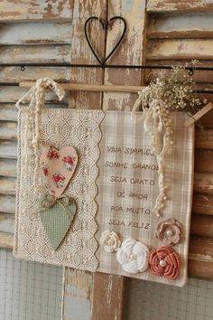 hearts made of burlap in natural and bright green . Fabric Art, Fabric Crafts, Sewing Crafts, Sewing Projects, Projects To Try, Heart Crafts, Shabby Vintage, Mini Quilts, Textile Art