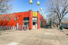 17th Avenue Liquors....and B-Cycles! #denver #citypark