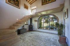 Entrance hall farmhouse in Tuscany
