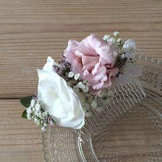 #fleurentina #floweraccessories #flowers #headpiece #floral #floralheadpiece #bridal #love #pink #white #summertime ✨
