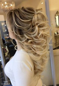 Long Wedding Hairstyles from Elstile / http://www.himisspuff.com/long-wedding-hairstyles-from-elstile/18/