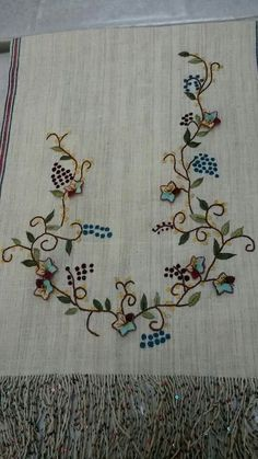 This Pin was discovered by Ays Beaded Embroidery, Embroidery Stitches, Embroidery Patterns, Hand Embroidery Projects, Thread Work, Couture, Adult Coloring, Bargello, Diy And Crafts