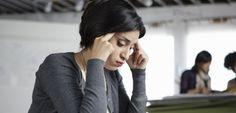 """NL : L'épuisement professionnel, ou """"burn-out"""", est un trouble psychique provoqué par un stress chronique dans le cadre du travail. © Natalie Faye / Image Source / AFP"""