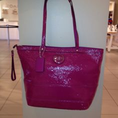 Coach purse!!  I want it :)  Love the color for spring!!   This would be awesome to add to mine & Jen's collection!