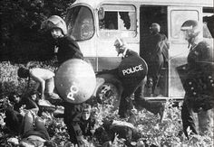 Police violence at the Battle of the Beanfield, June 1, 1985 (Photo copyright Tim Malyon).