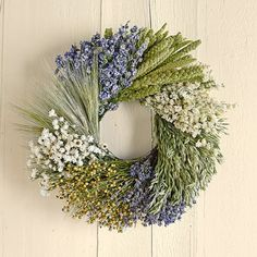 Dried Flowers Bouquet Trees For Dry Soil Dried Flower Arrangements In Baskets Rustic Wedding Centerpieces Lavender Crafts, Lavender Wreath, Dried Flower Bouquet, Dried Flowers, Basket Flower Arrangements, Fleurs Diy, Deco Floral, Rustic Wedding Centerpieces, Summer Wreath