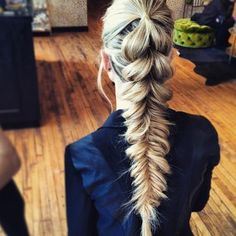 Pull through and fishtail combo braid blohaute