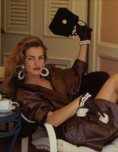 Karen Mulder photographed by Patrick Demarchelier, Vogue, September 1991
