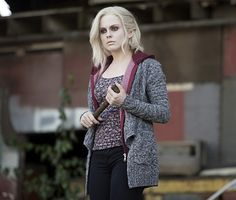 "iZombie -- Episode 3 ""The Exterminator"" -- Image Number: -- Pictured: Rose McIver as Olivia ""Liv"" Moore -- Photo: Diyah Pera/The CW -- © 2015 The CW Network, LLC. All rights reserved. Rose Mciver, I Zombie, Zombie Girl, Izombie Tv Series, Izombie Season 1, Most Popular Tv Shows, The Lovely Bones, Dc Tv Shows, Public"