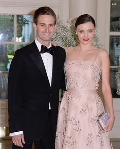 It was a Friday date night for #MirandaKerr and her boyfriend, Snapchat CEO #EvanSpiegel!  The couple attended the state dinner honoring the President of Finland and the Prime Ministers of Norway, Sweden, Denmark and Iceland. | : OLIVIER DOULIERY/AFP/Getty Images