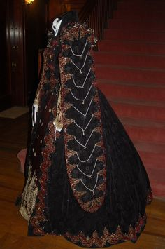 Elizabethan Clothing, Elizabethan Costume, Elizabethan Era, Renaissance Costume, Vintage Clothing, Vintage Outfits, Outfits For Spain, Spanish Costume, 16th Century Fashion
