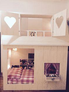 Letto a soppalco alto con scrivania di bopita in stile romantico cameretta cameretta romantica - Costruire un letto a castello ...