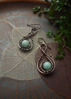These elegant copper wire simple shape earrings with sky blue agate beads, are the ideal choice for every day. Perfect as a inexpensive gift for your friends! Best combined with this copper wire winding pendant with natural semiprecious stone: Blue Drop Earrings, Wire Wrapped Earrings, Copper Earrings, Paper Jewelry, Jewelry Crafts, Jewelry Ideas, Copper Wire Jewelry, Wire Jewellery, Custom Jewelry
