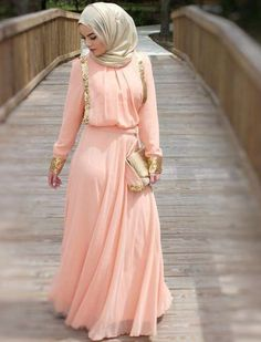 Modest street hijab fashion http://www.justtrendygirls.com/modest-street-hijab-fashion/