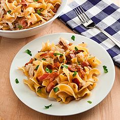Hungarian Noodles and Cabbage with Bacon This Traditional Hungarian/Polish Dish Delivers Rich Satisfying Flavor Diner Recipes, Pork Recipes, Fall Recipes, Great Recipes, Vegan Recipes, Favorite Recipes, Diner Food, Croatian Recipes, Hungarian Recipes