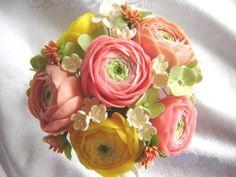 table centerpieces ranuculus | Wedding Decorations/Reception. Spring Ranunculus Wedding Decor. Table ...